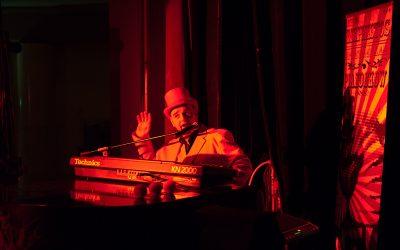 Foto's Kijken van Mr.Mephisto's Spectacular Pianoshow!